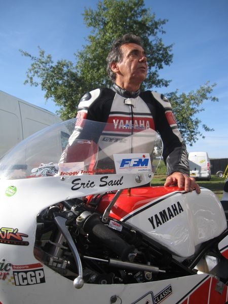 Eric saul in demonstration with his Yamaha 250 TZ L